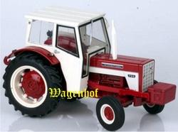 IH724 tractor Cab en frontgewicht  Replicagri Schaal 1:32