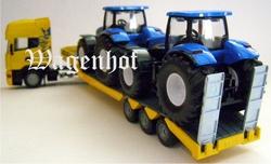 Scania trekker met dieplader en NH T7070 tractoren Schaal 1:50