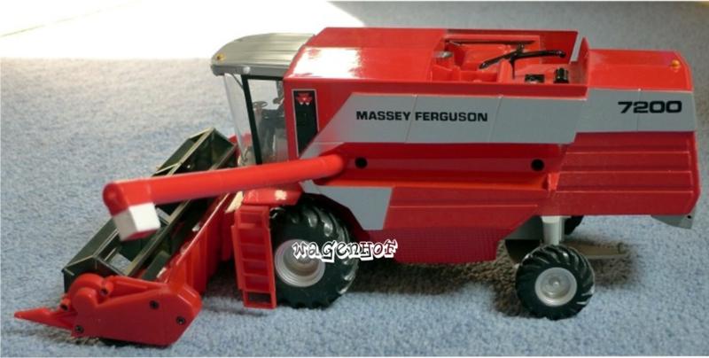 Massey Ferguson 7200 Combine BR00054  Britains Schaal 1:32
