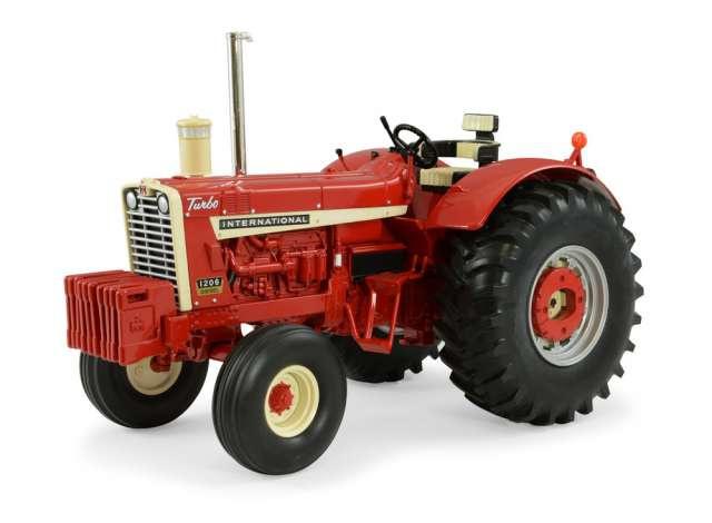 INTERNATIONAL 1206 Wheatland tractor ERTL14890 schaal 1:16