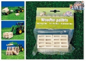 8 wooden pallets. -KG610761 - Kids Globe Scale 1:32