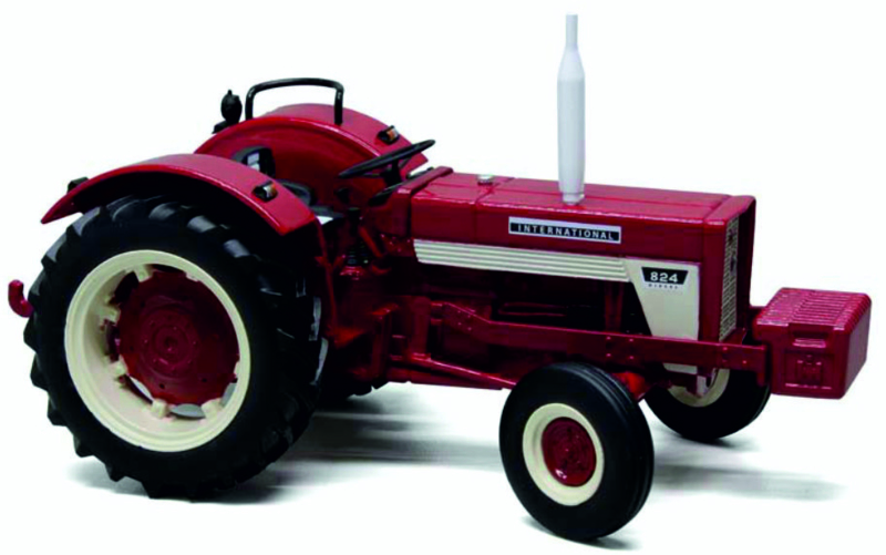 IH824 2WD + frontgewicht REP151