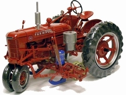Farmall H with planter Prec Key (5) ERTL14552 Scale 1:16