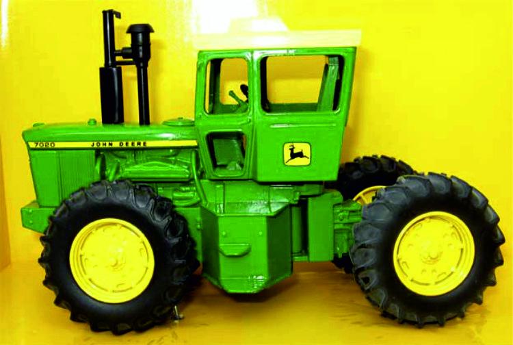 John Deere 7020 single-wheel tractor ERTL15610 1:32.