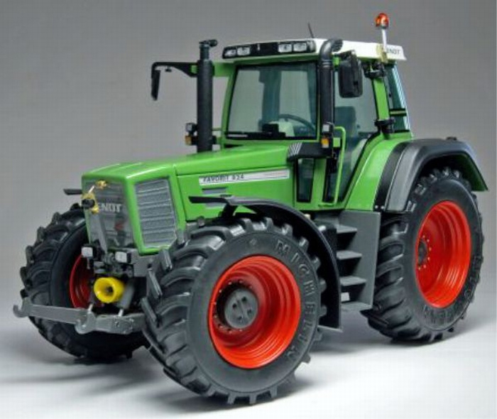 Fendt Favorit 824 Tractor W1002-824 Scale 1:32