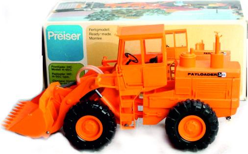 IHC - H 65 C Payloader Preiser PR45206 schaal 1:24 / 1:25