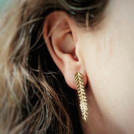 Long golden leaves earstuds
