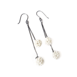 Silver earrings with fresh water pearls