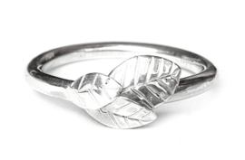 Silver Leaves Ring