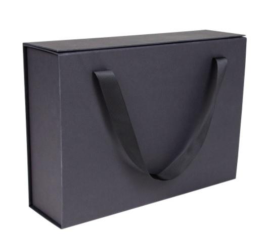 Luxe magneetdoos met draaglinten mat-Zwart (Medium) bundel 10 stuks