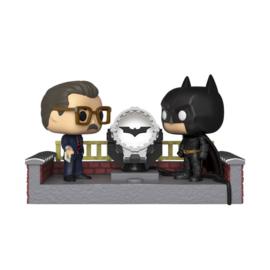Batman's 80th POP! Movie Moment Vinyl Figure Batman with Light Up Bat Signal 9 cm