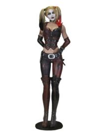 NECA - Batman Arkham City Life-Size Statue Harley Quinn (Foam Rubber/Latex) 180 cm