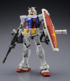 Gundam: Master Grade - RX-78-2 Gundam 3.0 - 1:100 Scale Model Kit