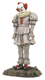 It Chapter Two Gallery PVC Diorama Pennywise Swamp 25 cm