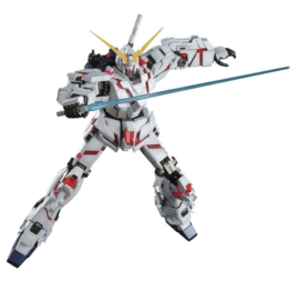 Gundam: RX-O Unicorn Gundam Master Grade model kit 1:100