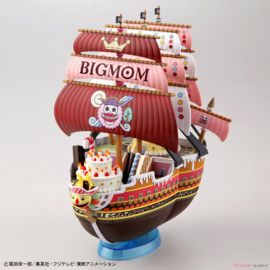 One Piece: Grand Ship Collection - Queen Mama Chanter Model Kit