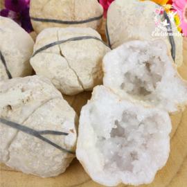 Bergkristal Geode gekraakt M