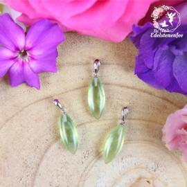 Edelsteen Hanger Prehniet lang bloemblaadje A+ kwaliteit