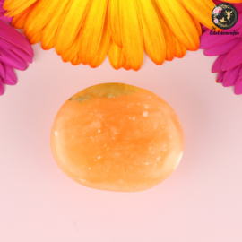 Oranje Calciet handsteen nr. 12