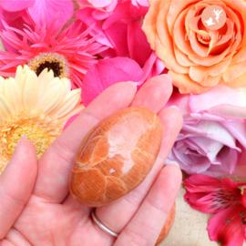 Roze Maansteen Handstenen maat 1