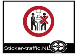 Mag niet door 2 personen bedient worden sticker