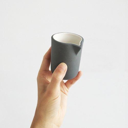 Melk kannetje | donkergrijs