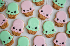 ijsje kawaii cookie cutter & PYO stencil