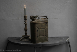 Oude vintage jerrycan