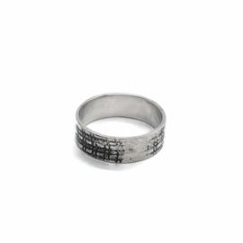 Ring met textuur