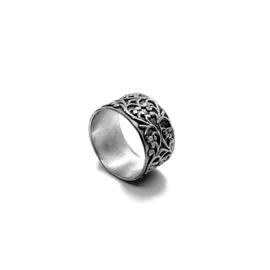 Zilveren ring met barok-look