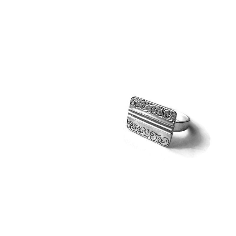 Ring met vintage manchetknoop