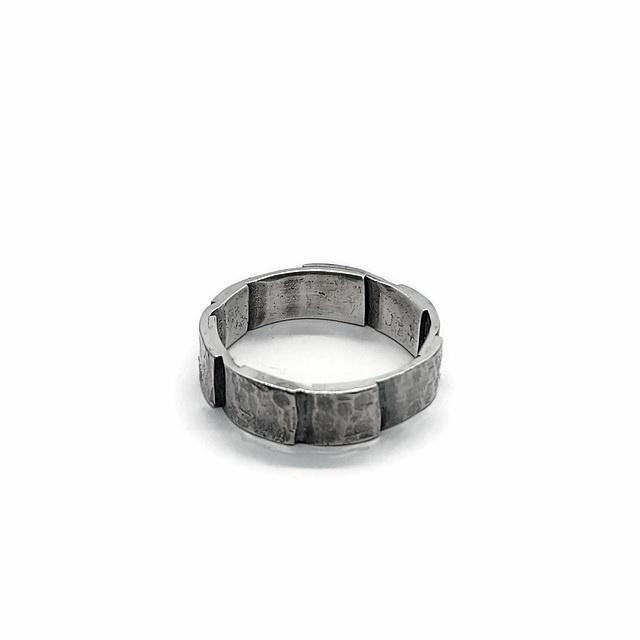 Ring uit gehamerde delen - VERKOCHT