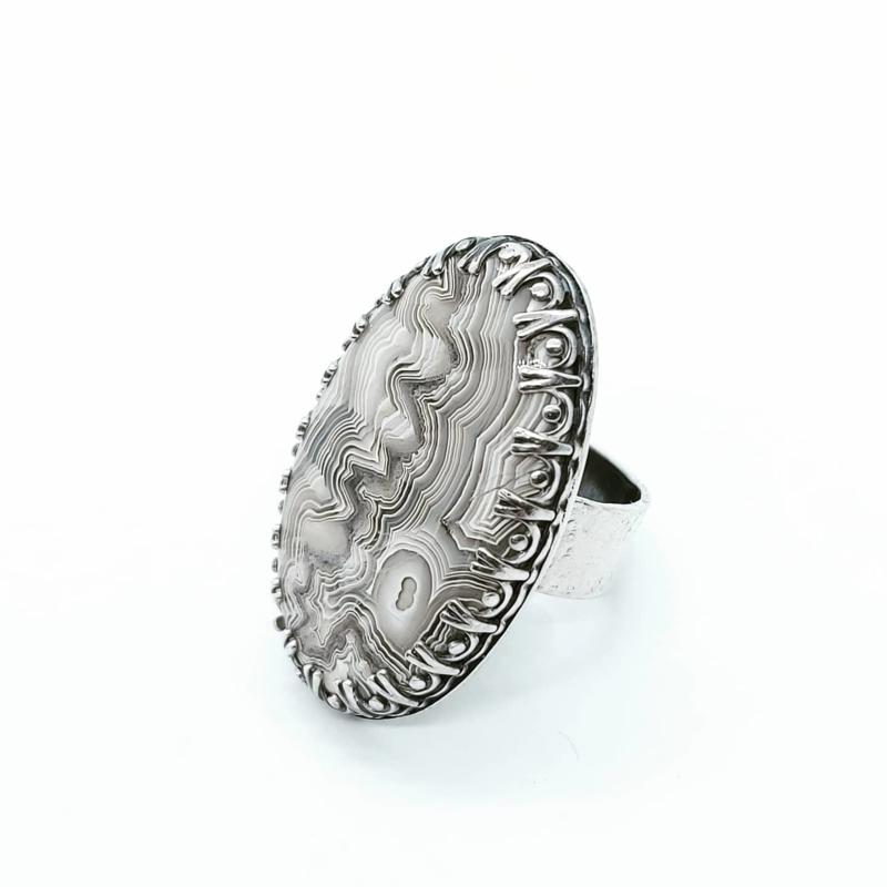 Zilveren ring met crazy lace agaath