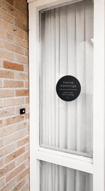 Naambord rond wit - huisnummer