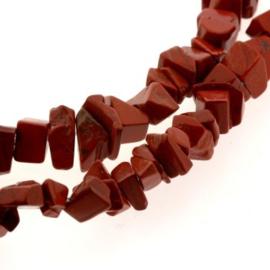 streng 80cm / chips half edelsteen Red jasper p/streng