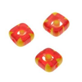 glaskraal Millefiori  rood/geel 6x6mm p/50