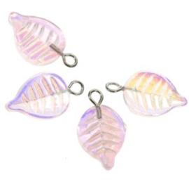 blaadje glas 14 x 10 mm met oogje / roze AB p/24