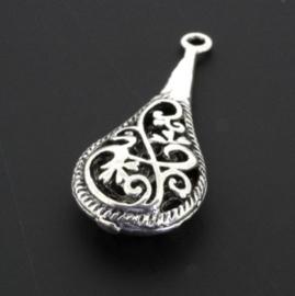 hanger/oorbel ornament druppelvorm opengewerkt AS p/12