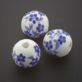 kraal keramiek 12 mm bloem Delft blauw p/25