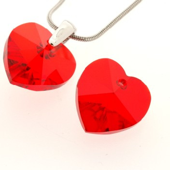 6228 Xilion heart pendant 18 x 17,5 mm light siam (227) p/2