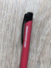 Rood VERPLEEGKUNDIGE. Pen