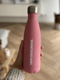 PRE-ORDER: Roze Soft VERPLEEGKUNDIGE. Thermosfles Krijt