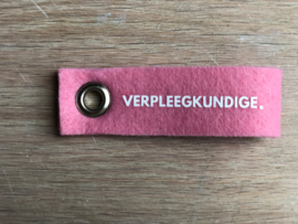 Roze VERPLEEGKUNDIGE. Vilten Sleutelhanger