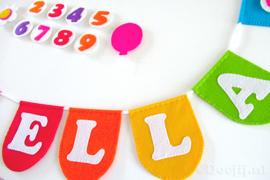 Naamslinger met leeftijden voor Ella