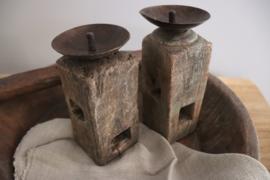 oude houten kandelaar