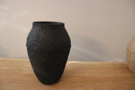 paperpulp vaas zwart Moniek Vanden Berghe