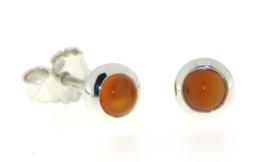 Zilveren oorstekers met Carneool