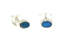 Zilveren oorknopjes met Australische Opaal edelstenen