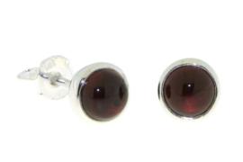 Zilveren oorknopjes met Granaat edelstenen