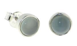 Zilveren oorstekers met Chalcedoon